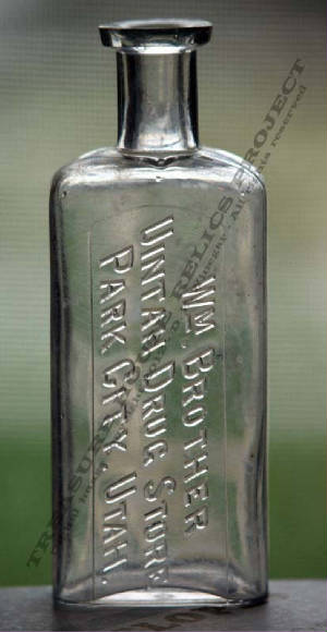 BOTTLE_PARK_CITY_UTAH_M_D_HURLBUT_DRUGGIST_2_EMBOSS.jpg