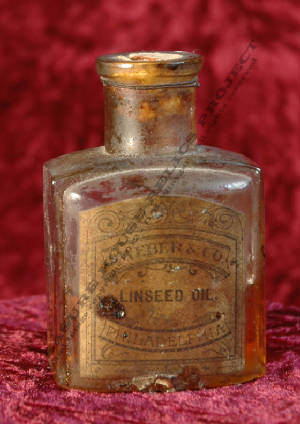 BOTTLE_LINSEED_OIL_OPHIR_DSC_0244_EMBOSS.jpg