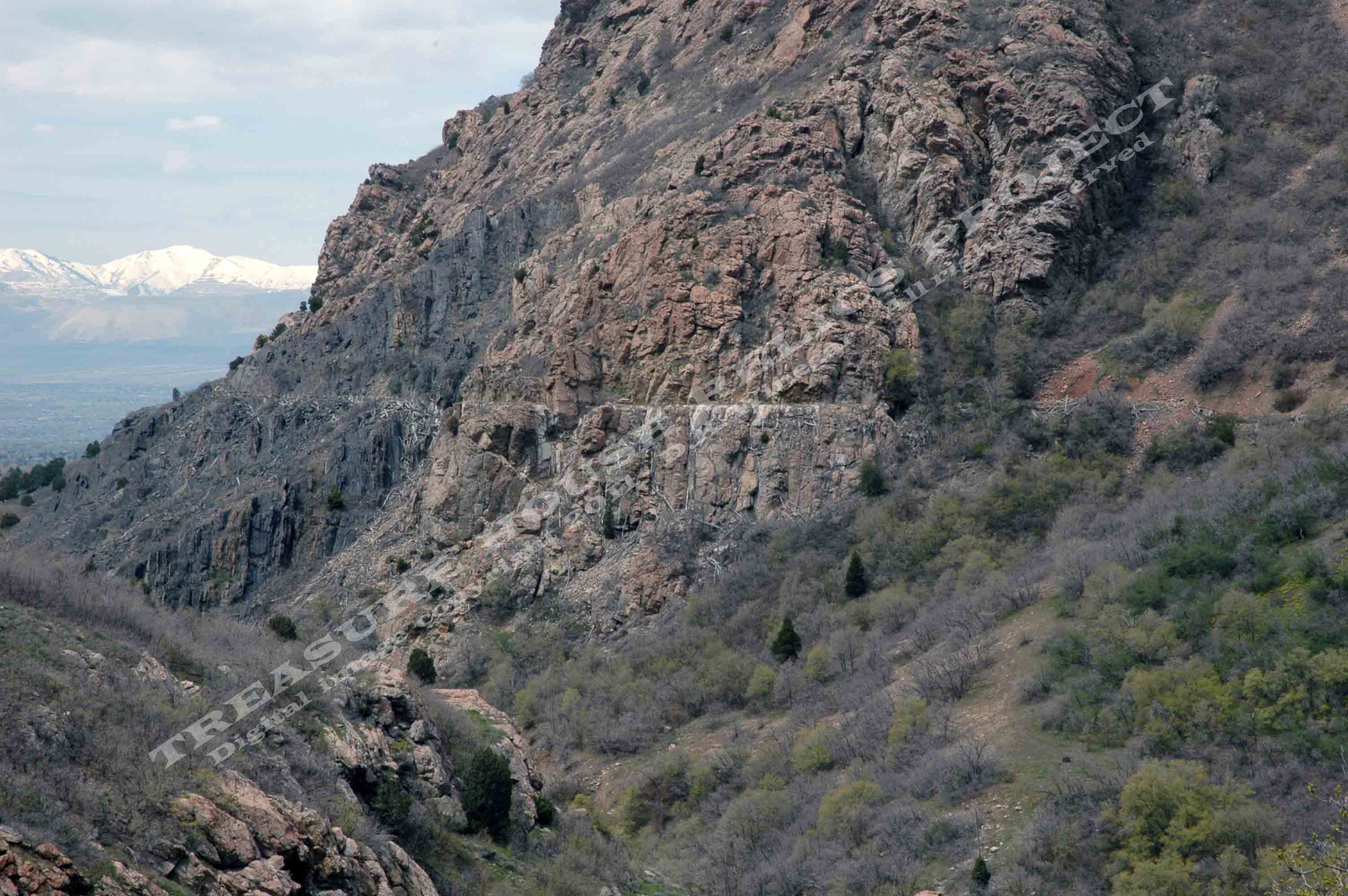 GRANITE_FLUME_TRAIL_DSC_0802_EDIT_EMBOSS.jpg